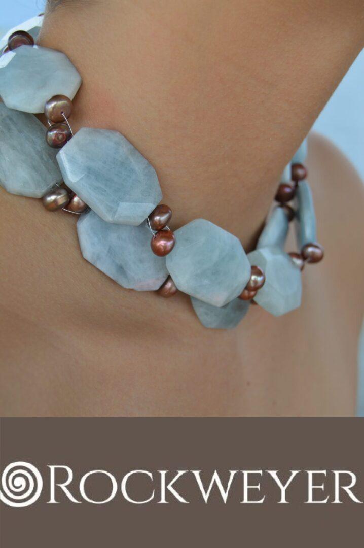 A Sirenia Pearl Choker being worn