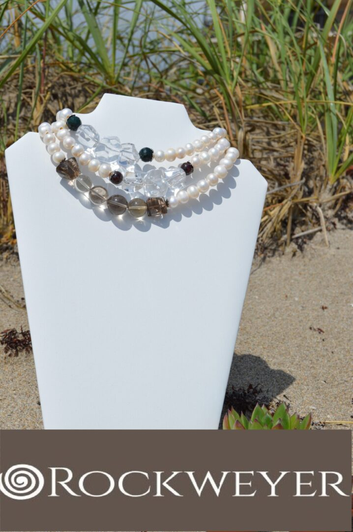Pearl body guards necklace