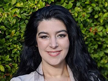 Dr. Jenna Del Valle