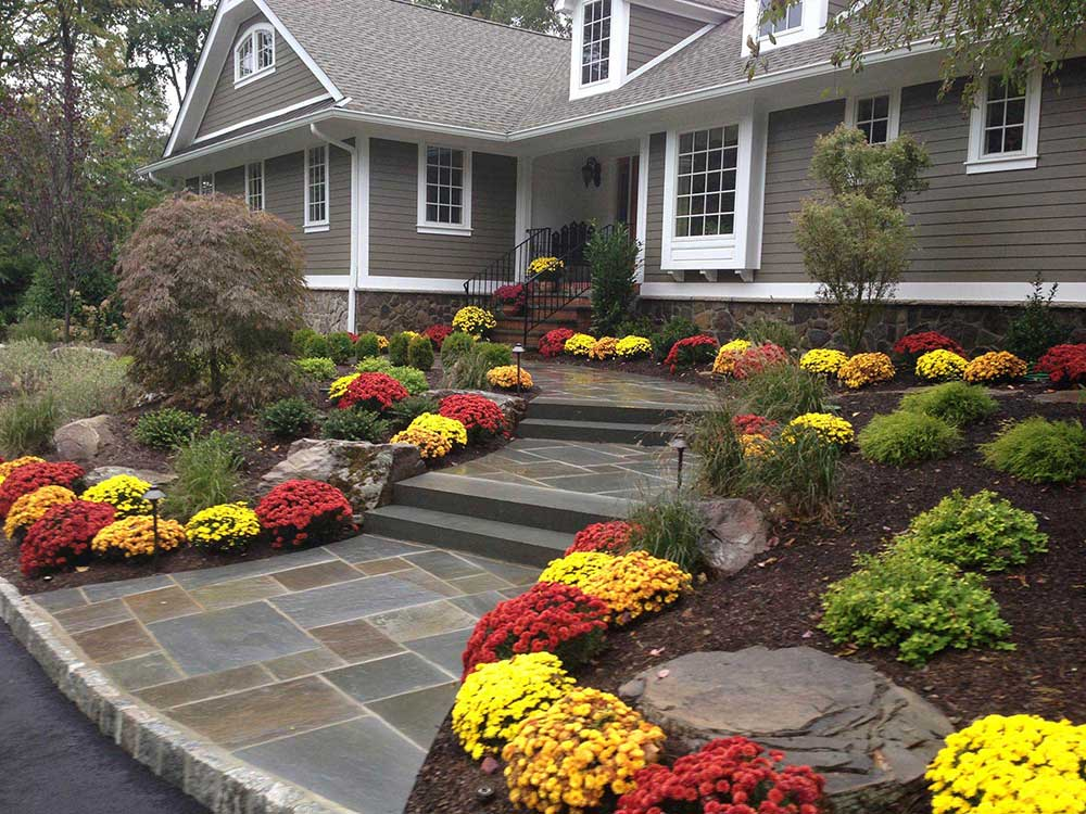 beautiful-front-yard-garden