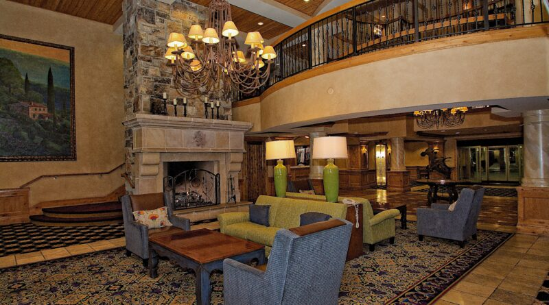 Chateaux-Deer-Valley-Lobby