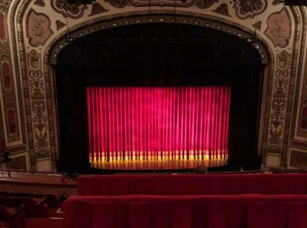 Empty-Cadillac-Palace-Theatre