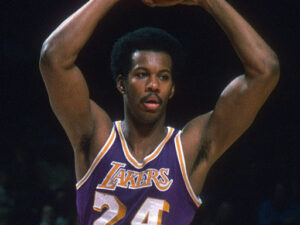 Ex-NBA player #Kermit Washington- sinzuuliveblog
