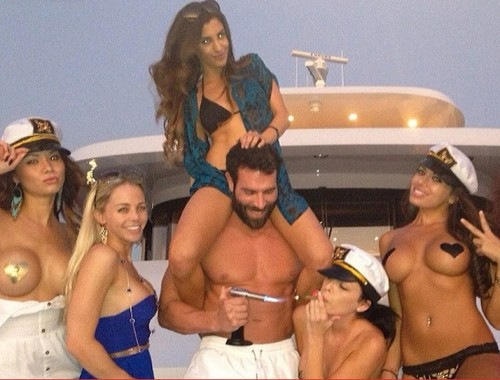 Dan Bilzerian Sued for Firing a Snitch who Reported about his Opulence Life Style