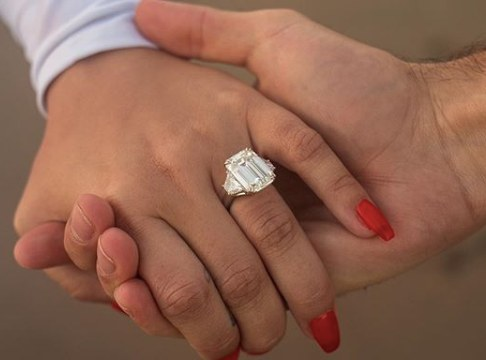 Demi Lovato Engagement Ring Average Cost is $2.5million and $5million