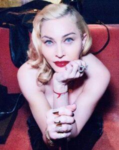 Pop Star Madonna- sinzuuliveblog