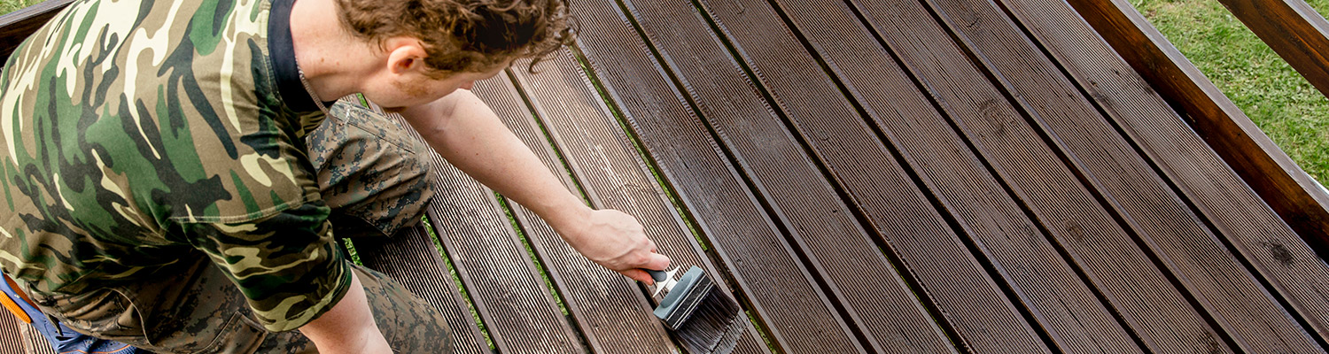 finish-stain-wood-deck