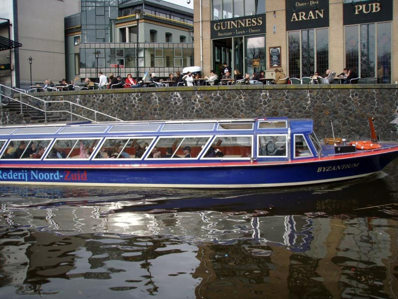 Amsterdam-City-Canal-boat