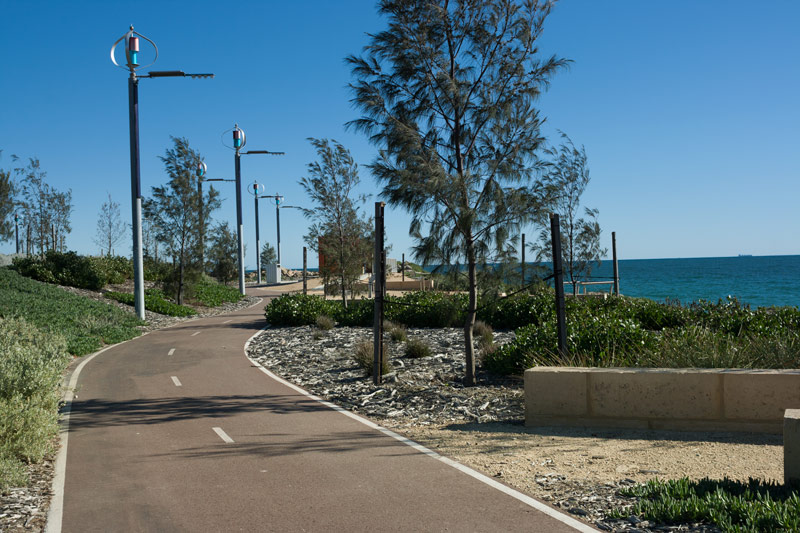 Cycle-along-beach-perth