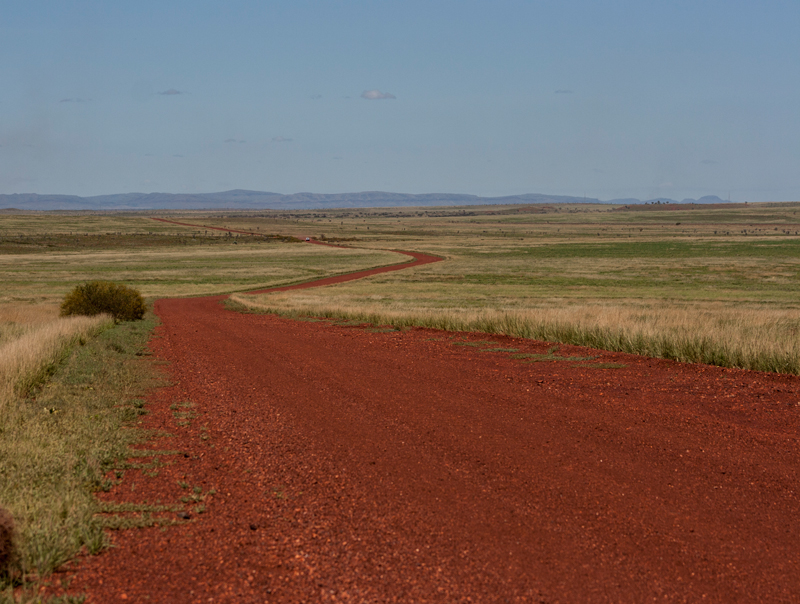 Red-dirt-road-millstream-small