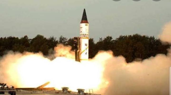 ब्रह्मोस सुपरसोनिक क्रूज मिसाइल का सफल परीक्षण ।