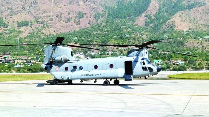 शिंकुलाटनल के हवाई सर्वे को अंजाम देने के लिए दूसरे दिन भी चिनूक ने सफलतापूर्वक उड़ान भरी