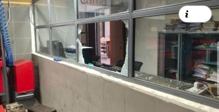रात को आठ दुकानों के ताले तोड़कर चोर नकदी व सामान चुरा ले गए