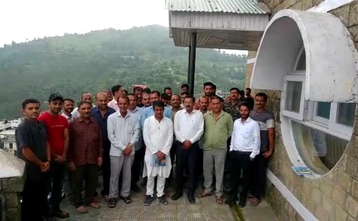 तिलोरधार में BDO कार्यालय खोलने के बाद क्षेत्रीय लोगो ने कल 10 बजे प्रदेश सरकार के खिलाफ रोष रैली निकालकर सरकार के फैसले पर प्रहार किया जाएगा