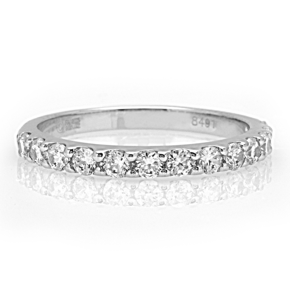The Newbury Round Brilliant Wedding Band Image