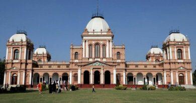 بہاولپور کا نور محل: یہ کسی نواب کی محبت کی یادگار نہیں بلکہ مہمان خانہ ہے