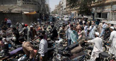 پاکستان میں کورونا وائرس سے مزید 2 ہزار 432 افراد متاثر، 45 افراد کا انتقال