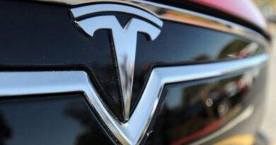 ایلون مسک: گاڑیاں بنانے والی ٹیکنالوجی کمپنی ٹیسلا انڈیا میں اپنی لانچنگ سے کتنا دور ہے؟