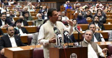 عمران خان: 'الیکشن کمیشن ملک کی ایجنسیوں سے خفیہ بریفنگ لے تاکہ پتا چلے کہ کتنا پیسہ چلا'