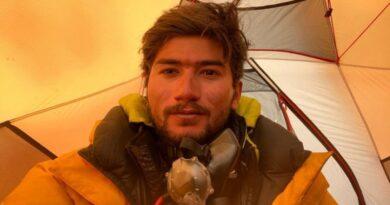 شہروز کاشف: 19 سالہ شہروز کاشف کے ٹو سر کرنے والے دنیا کے سب سے کم عمر کوہ پیما بن گئے
