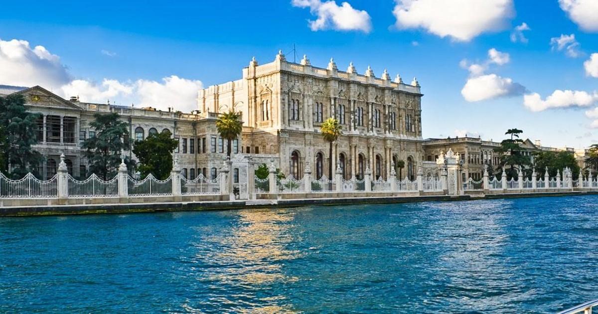 Dolmapahce Palace 1