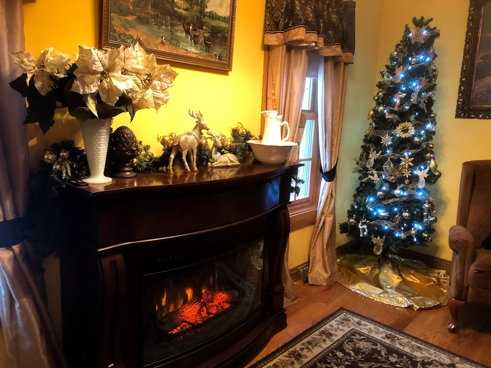Brambleberry holiday decorated guest room