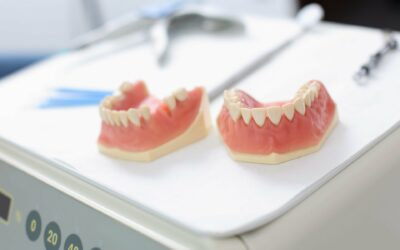 Dentures or Dental Implants: Which Is Right for You?