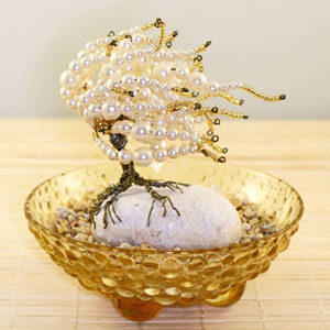 Pearls Pearls Pearls, an wire sculpted tree full of pearls