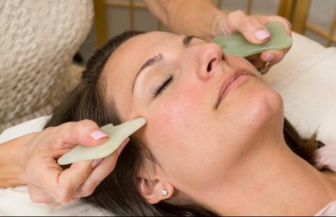 facial acupuncture gua sha