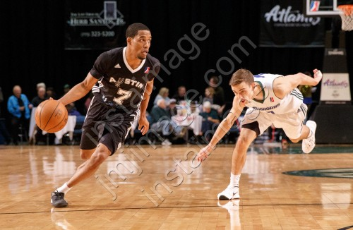 Austin Spurs Guard BRYCE COTTON (7)
