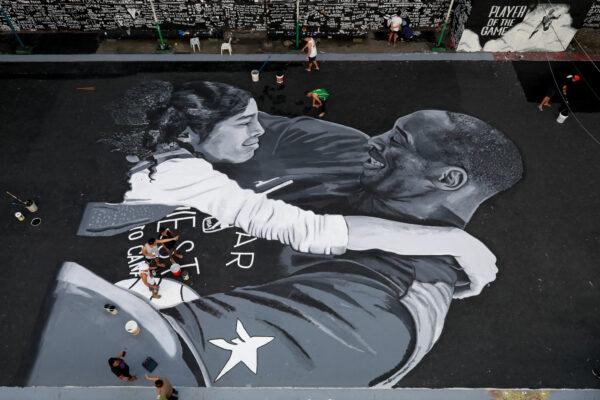 Alicia Keys y Lizzo rinden un desgarrador tributo a Kobe Bryant en los Grammy