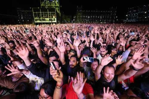 Pioneros del rock en español luchan por un lugar en el panorama sonoro