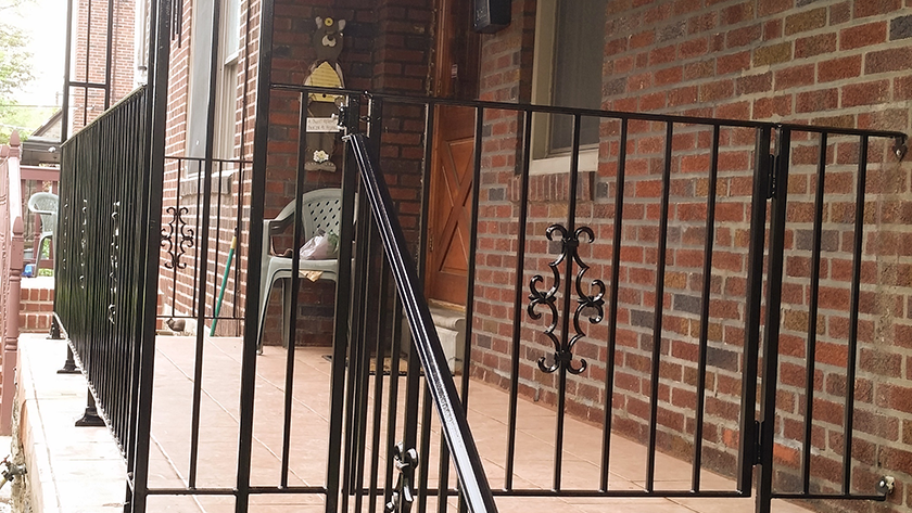 E10 Exterior Iron Railing with Cast Overlay