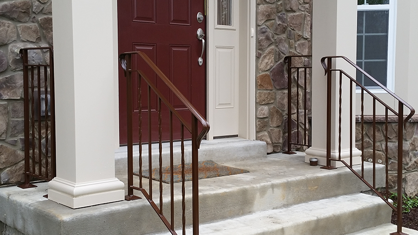 E24 Exterior Iron Railing Twist Every Other