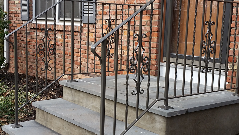 E29 Exterior Iron Railing With Cast Inserts