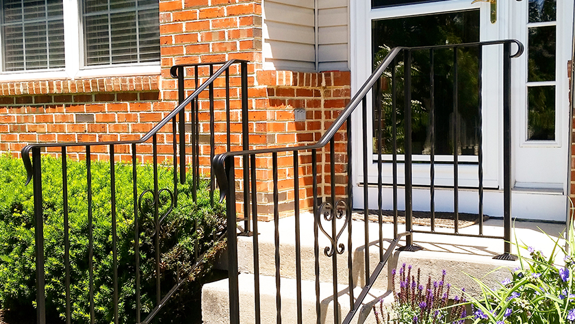 E7 Exterior Iron Railing With Hearts