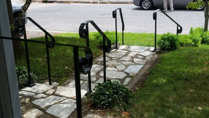 E40 Exterior Simple Hand Rail With Large Curls