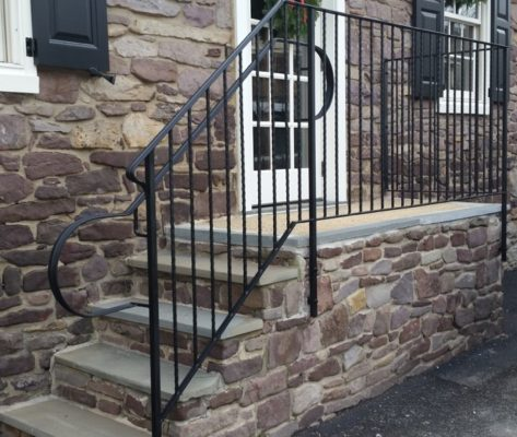 EC7 Commercial Hammered Steel Guard Rail With Custom Bent Grab Rail Returns