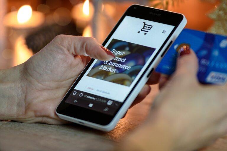 holiday shopping, smartphone, phone