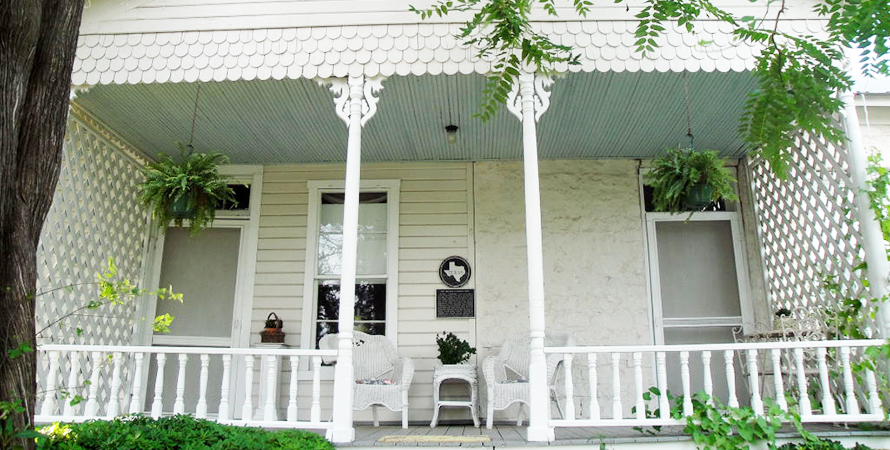 Clara's House