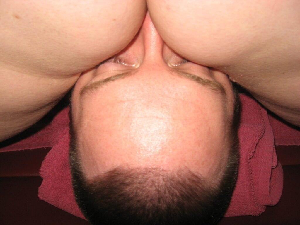 face sitting