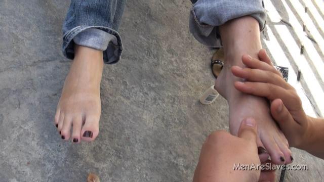 foot slave massage