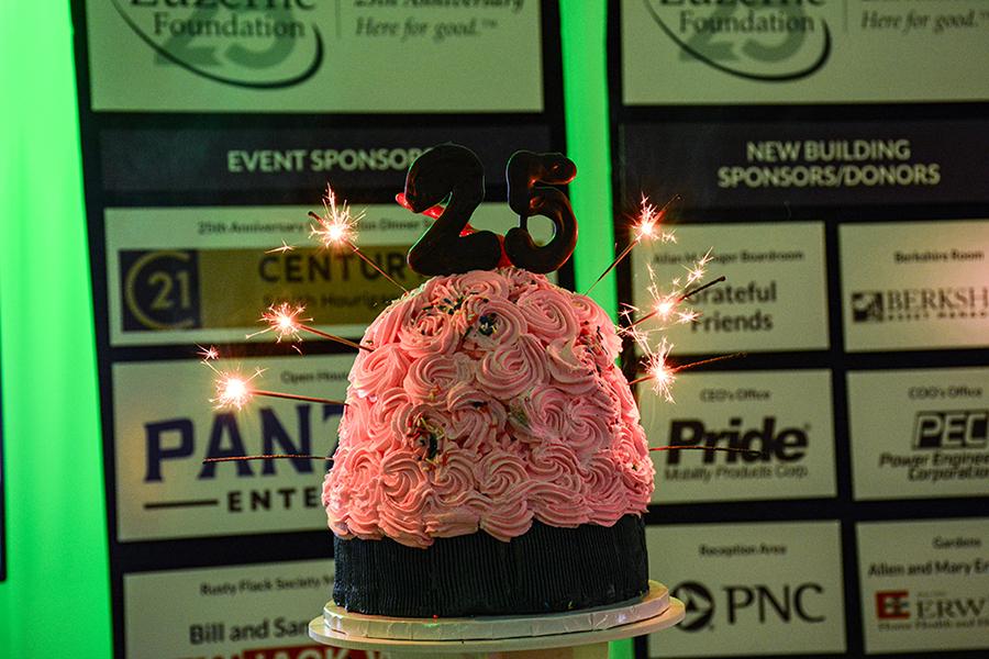 1-25th-annivesary-cake
