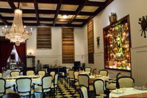 Oasis Restaurant dining
