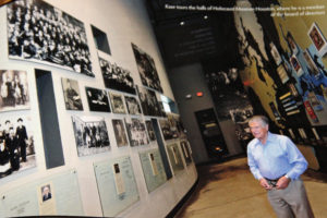 W-Kase-at-Holocaust-Museum