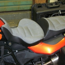 BMW F700GS: Solo with Smoke Sunbrella Inserts and Rectangle pattern