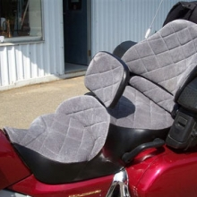 Honda GL 1800: Dual Day-Long Saddle with After-Market Backrest. Velour inserts - Black Vinyl trim