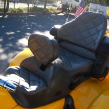 Honda GL 1800 Trike: Dual Leather Saddle with RCP Backrest & Heating System