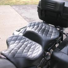 Moto Guzzi California Stone: Day-Long Dual Saddle | Small Diamonds