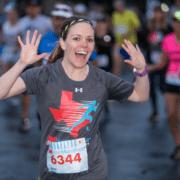 3M Half Marathon runner in under armor shirt